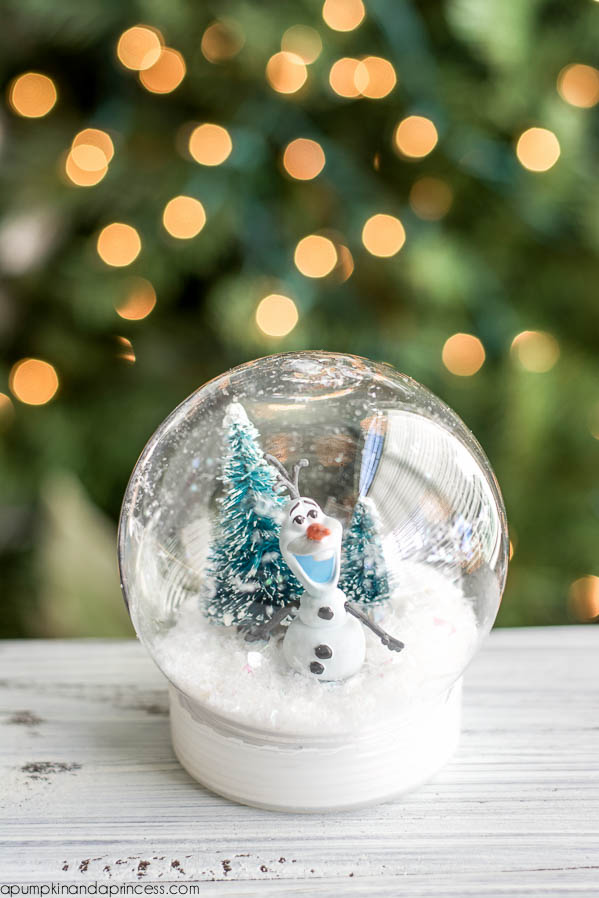 25 Magical Diy Christmas Snow Globes Christmas