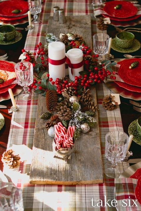 Two primary shades from the table runner are used for the entire table setting in different elements ... & Top Christmas Table Settings - Christmas Celebration - All about ...