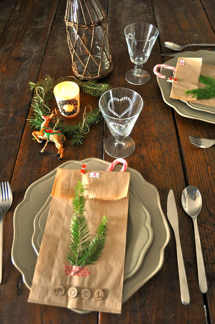 Who would have thought that a material as cheap and insignificant as brown paper bags can look so beautiful on a holiday table? Yes brown paper bags are ... & Top Christmas Table Settings - Christmas Celebration - All about ...
