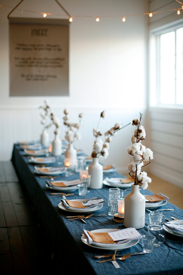 Pick Bold Colors : modern table setting ideas - pezcame.com