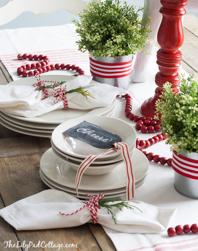 Beautiful Red And White Christmas Table Setting Ideas Part - 6: We Very Well Know That Red And White Are Traditional Christmas Colors, But  The Setting Featured Here Is Far From Being Old Fashioned.