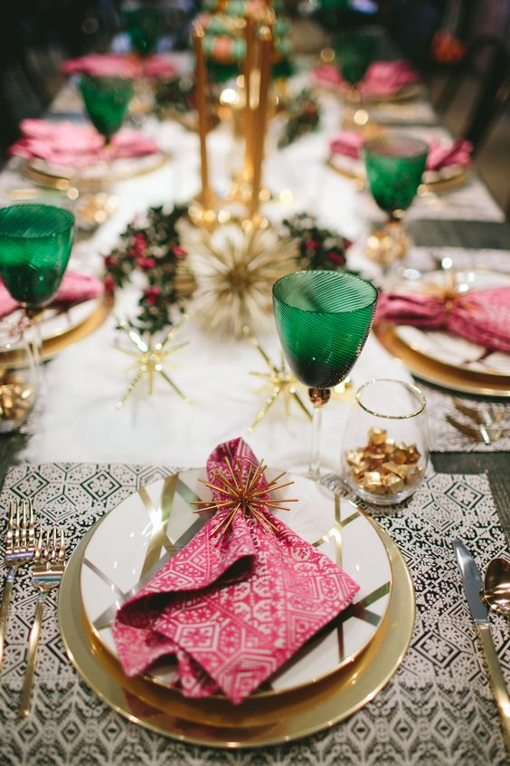 modern christmas table setting ideas - Green Christmas Table Decorations