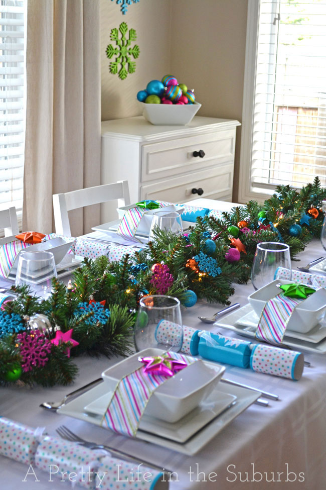 Setting A Christmas Table Ideas Part - 46: A Colorful Table Setting: