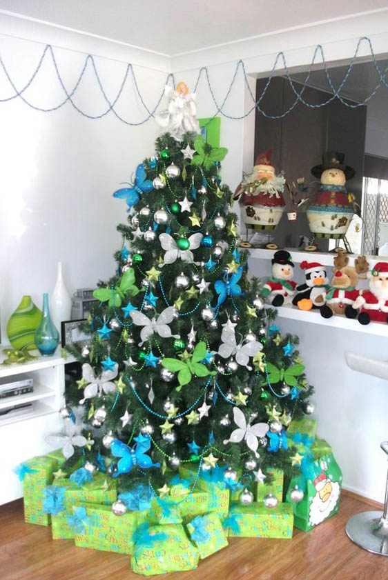 Be creative and playful while decorating your Christmas tree. Aside from stars, ribbons and tinsels, you can also use butterfly ornaments to add beauty to ...
