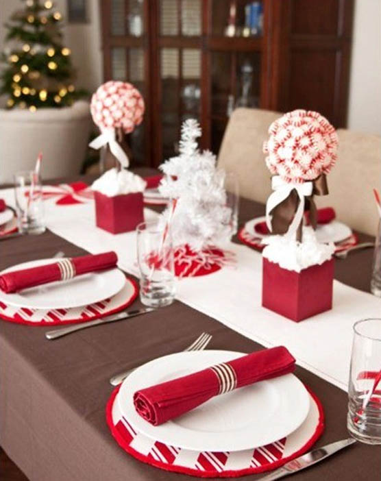 Use A Mini White Christmas Tree As The Perfect Festive Table Centerpiece It With Decorative And Red Ornaments Serviettes To Match