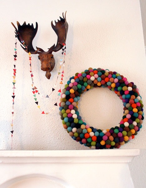 felt ball wreath - Christmas Decorations To Make And Sell