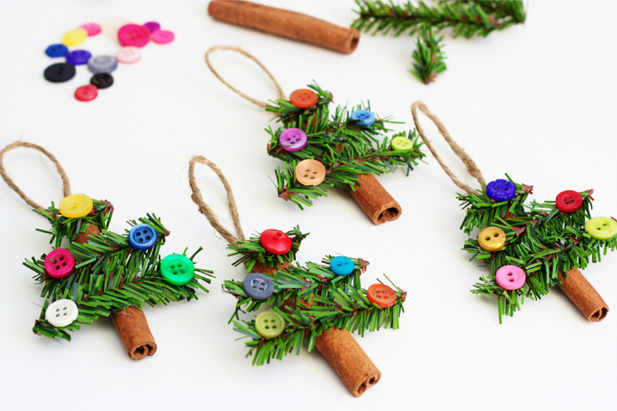 these cinnamon stick tree ornaments are literally cute as a button were sure theyll smell great too when theyre hung from the tree - Christmas Decorations To Make And Sell