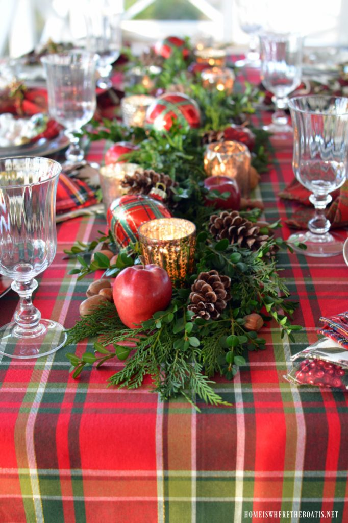 If youu0027re looking for a rustic Christmas table setting idea it just cannot get any better than this. It has all the elements we generally get to see in a ... & Christmas Table Setting Ideas- Our Top Picks - Christmas Celebration ...
