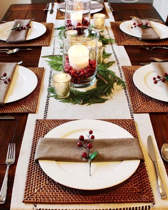 This Christmas table setting looks so prim and proper with brown and square table mats contrasted with white plates. The centerpiece is also looking very ... & Christmas Table Setting Ideas- Our Top Picks - Christmas Celebration ...