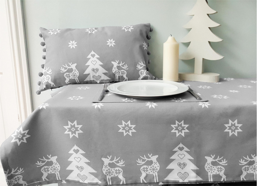Christmas Tablecloths.Christmas Tablecloth Design And Decoration Ideas Christmas