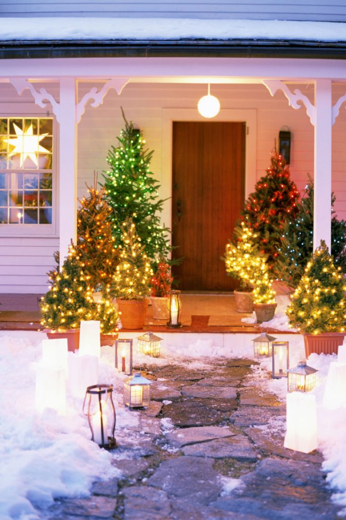 Outdoor Christmas Light Decoration Ideas - Christmas ... on Patio Lights Decorating Ideas id=58247