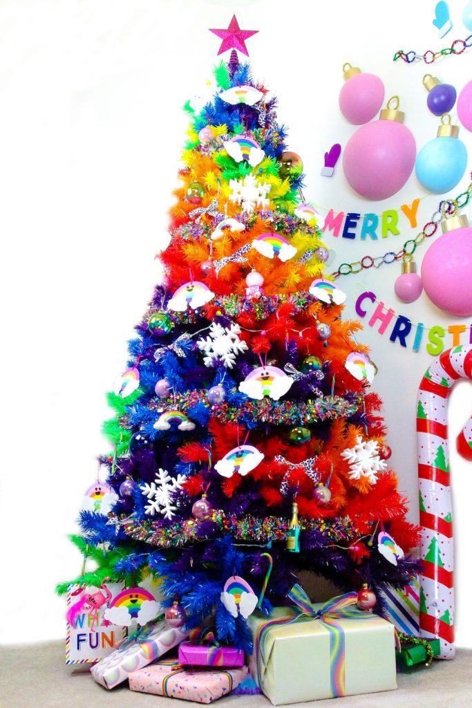 27 Rainbow Christmas Tree Decoration Ideas - Christmas ...