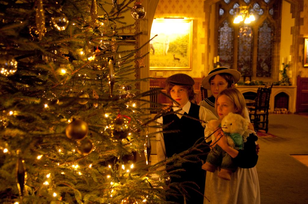 christmas traditions in england