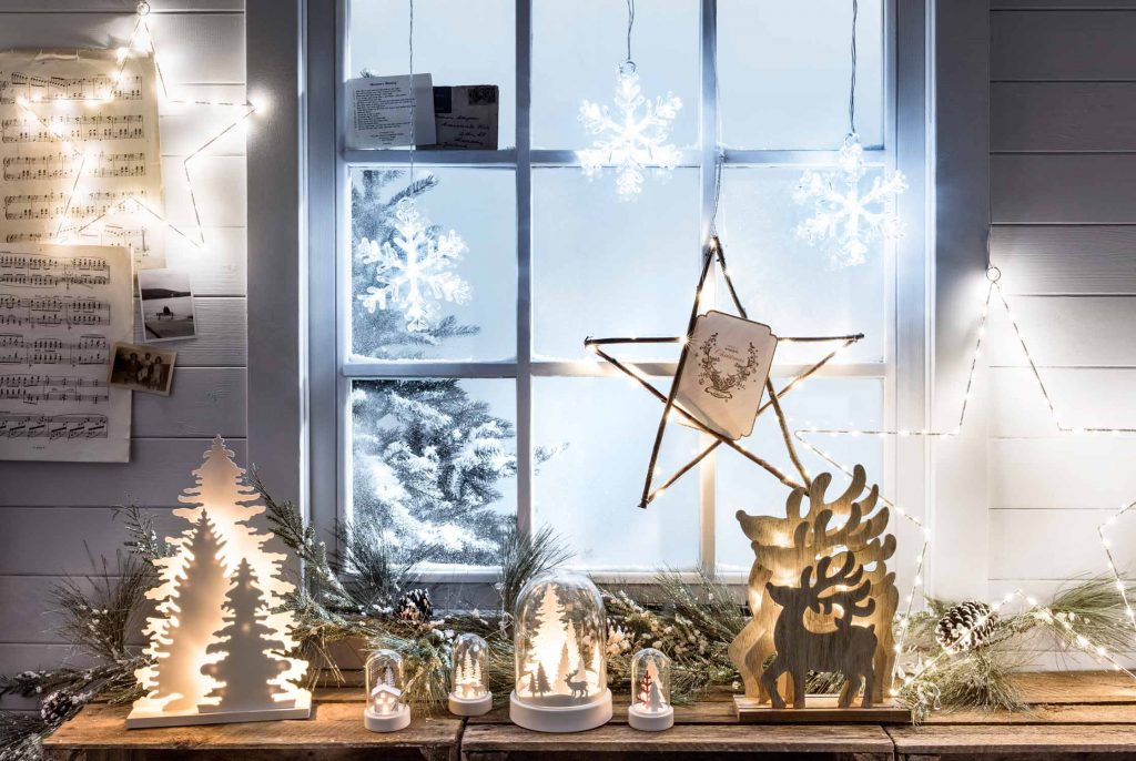 charming window lights decoration christmas window lights - Christmas Window Sill Decorations Ideas