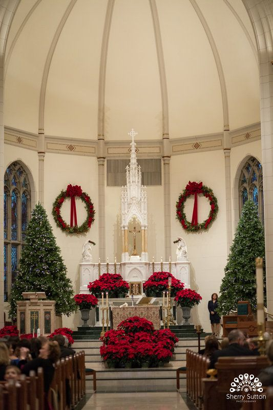 Pops of red and green - 30+ Church Christmas Decorations Ideas And Images - Christmas