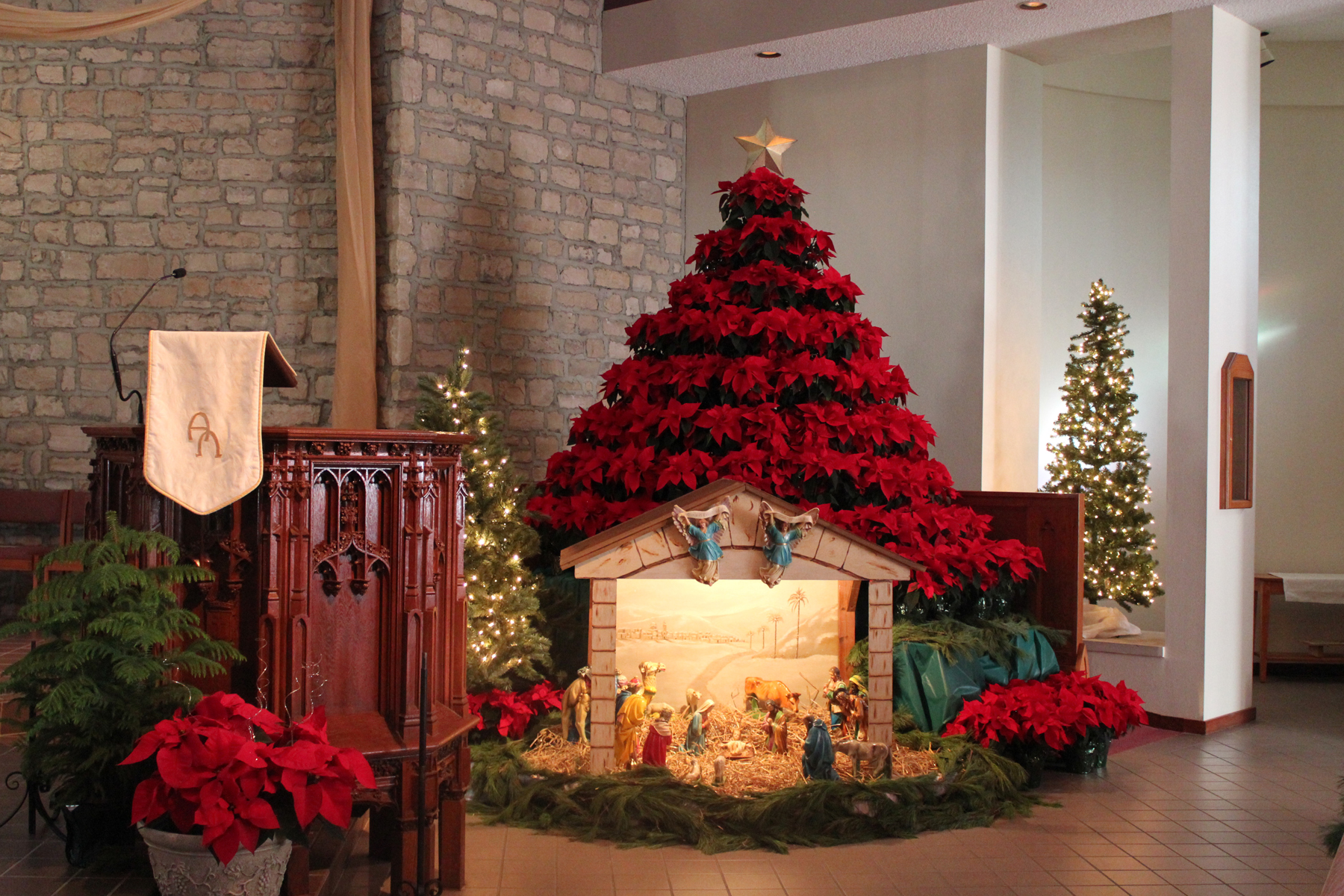 nativity inspired classic decor - Christmas Church Decoration Ideas