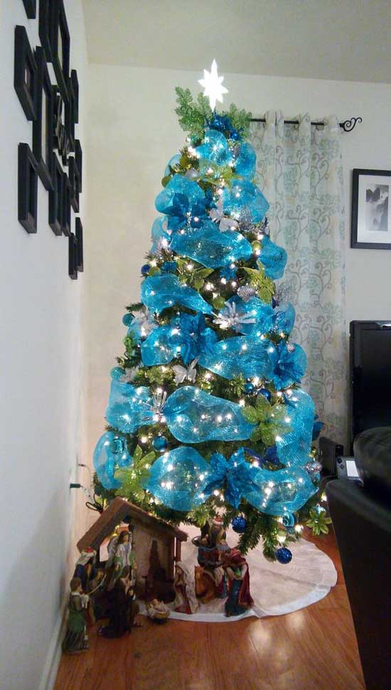Christmas Tree Decorating with Mesh