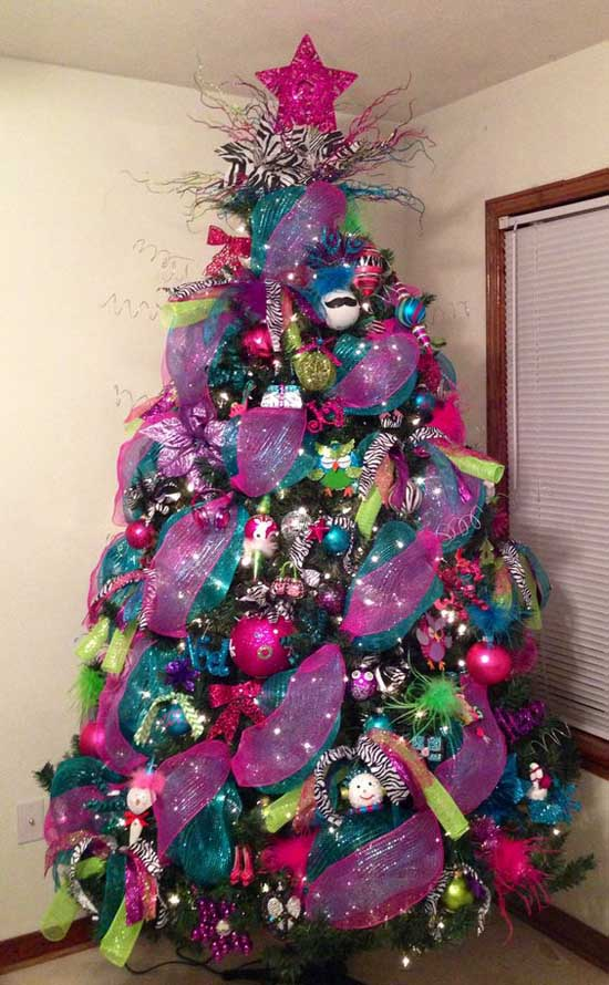 Christmas Tree Decorating With Mesh Ribbons Christmas