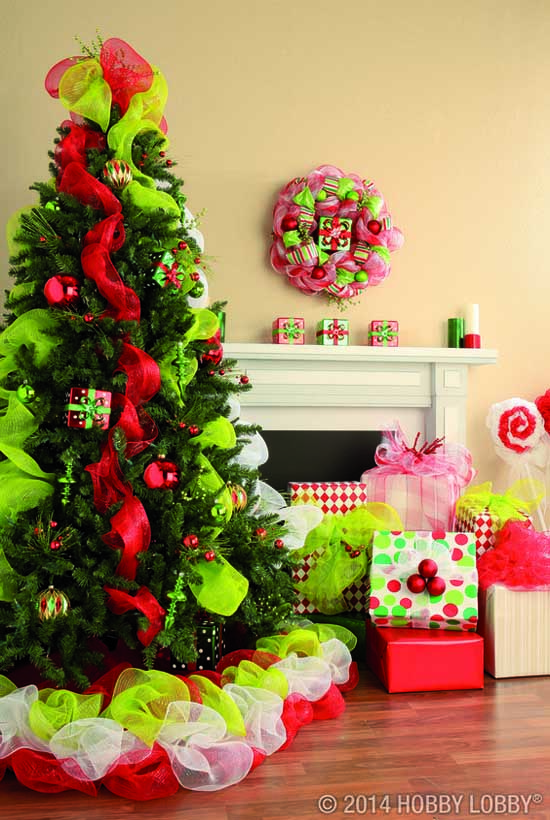 Christmas Tree Decorating With Mesh Ribbons Christmas Celebration All About Christmas