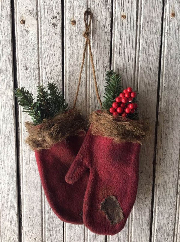 christmas mitten wall decoration