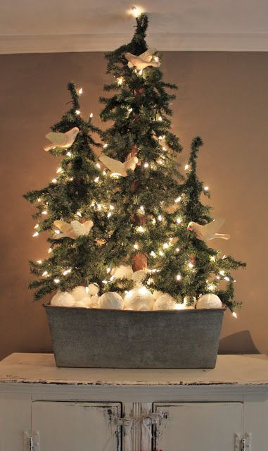 Doves and a Pine Christmas Tree - Stunning Primitive Christmas Decorations Ideas - Christmas