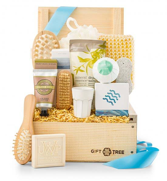 chilling out after a busy christmas is a must this beautifully arranged spa crate box contains everything his mother needs to leave her worries and