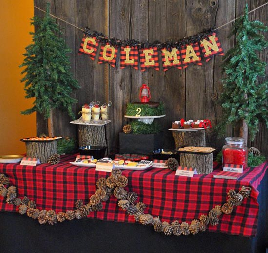 For A Rustic Scottish Countryside Feel Of You Christmas Decoration Use Undecorated Small Trees In Pots Put Your Candles And Food Trays On