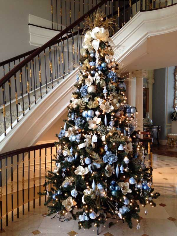 If You Love To Celebrate Christmas With Elegant Toppers, Take Inspiration  From This Chic And Stylish Christmas Tree. Silver Ornaments Provide Classy  Hues, ...