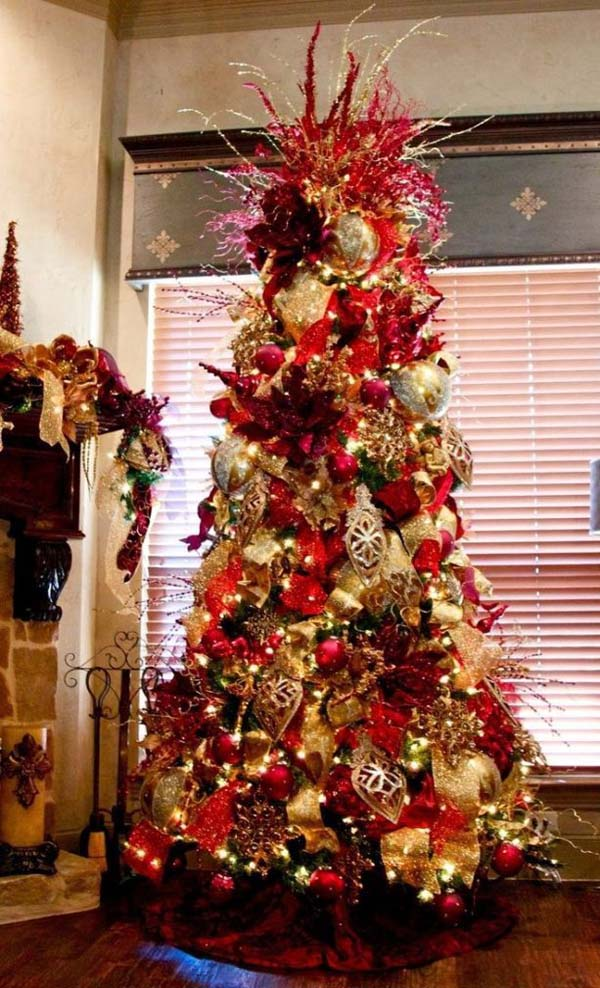 heres a dreamy christmas tree inspiration to get started decorated with red and gold christmas adornments we fell in love with this just for that - Red And Gold Christmas Tree Decoration Ideas