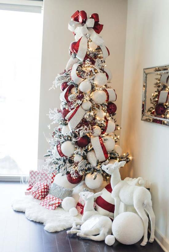 christmas tree with red decorations and white lights - Christmas Tree With White Lights And Red Decorations