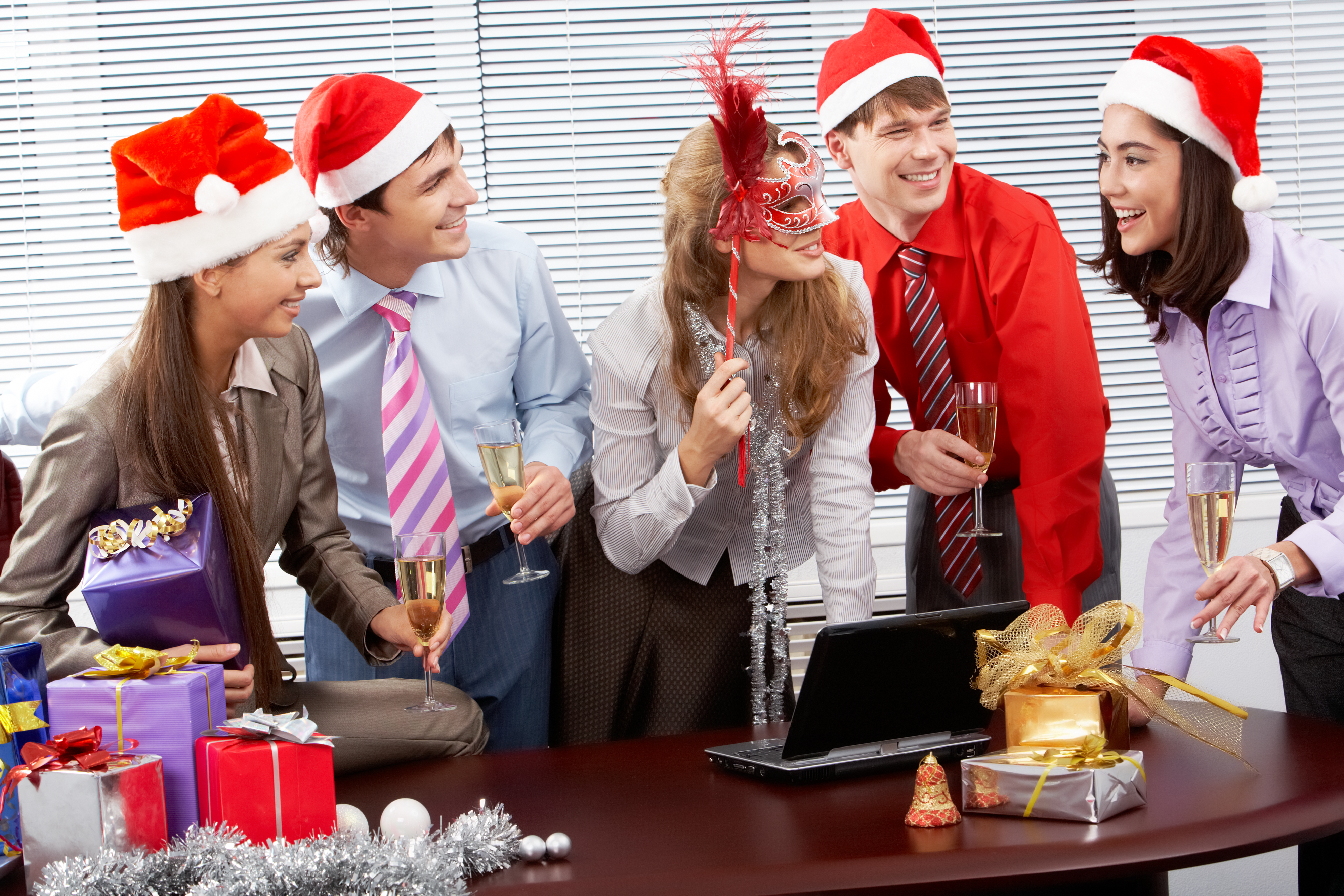 20 Fun Christmas Party Games For Work - Christmas Celebration - All ...