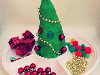 make-play-dough-christmas-tree