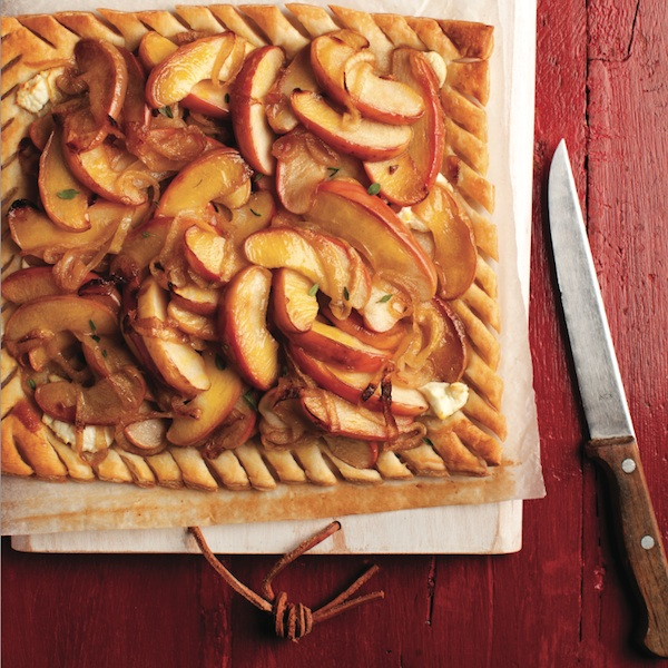 CARAMELIZED ONION TARTS WITH APPLES: