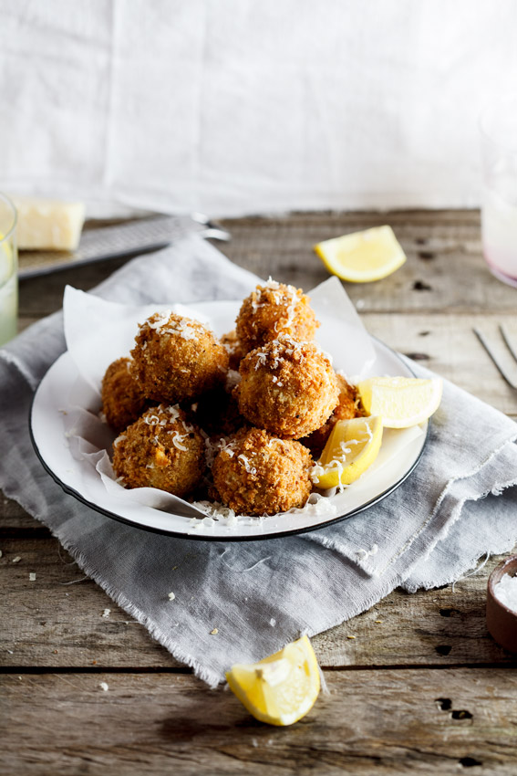 CHEESE POTATO AND BACON CROQUETTES: