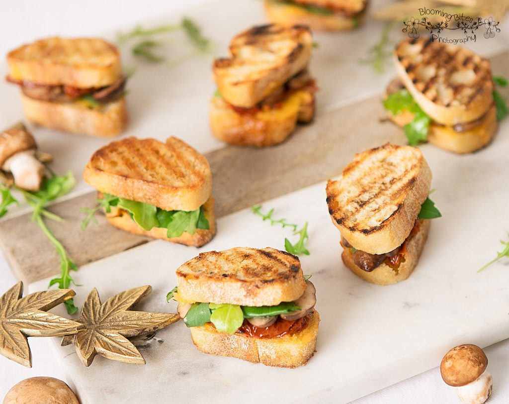 MINI GRILLED CHEESE SANDWICH BITES: